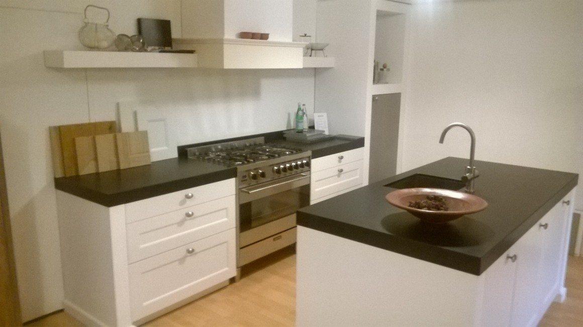 Keuken mat zwart tdek de schoonheid van zwarte keukens